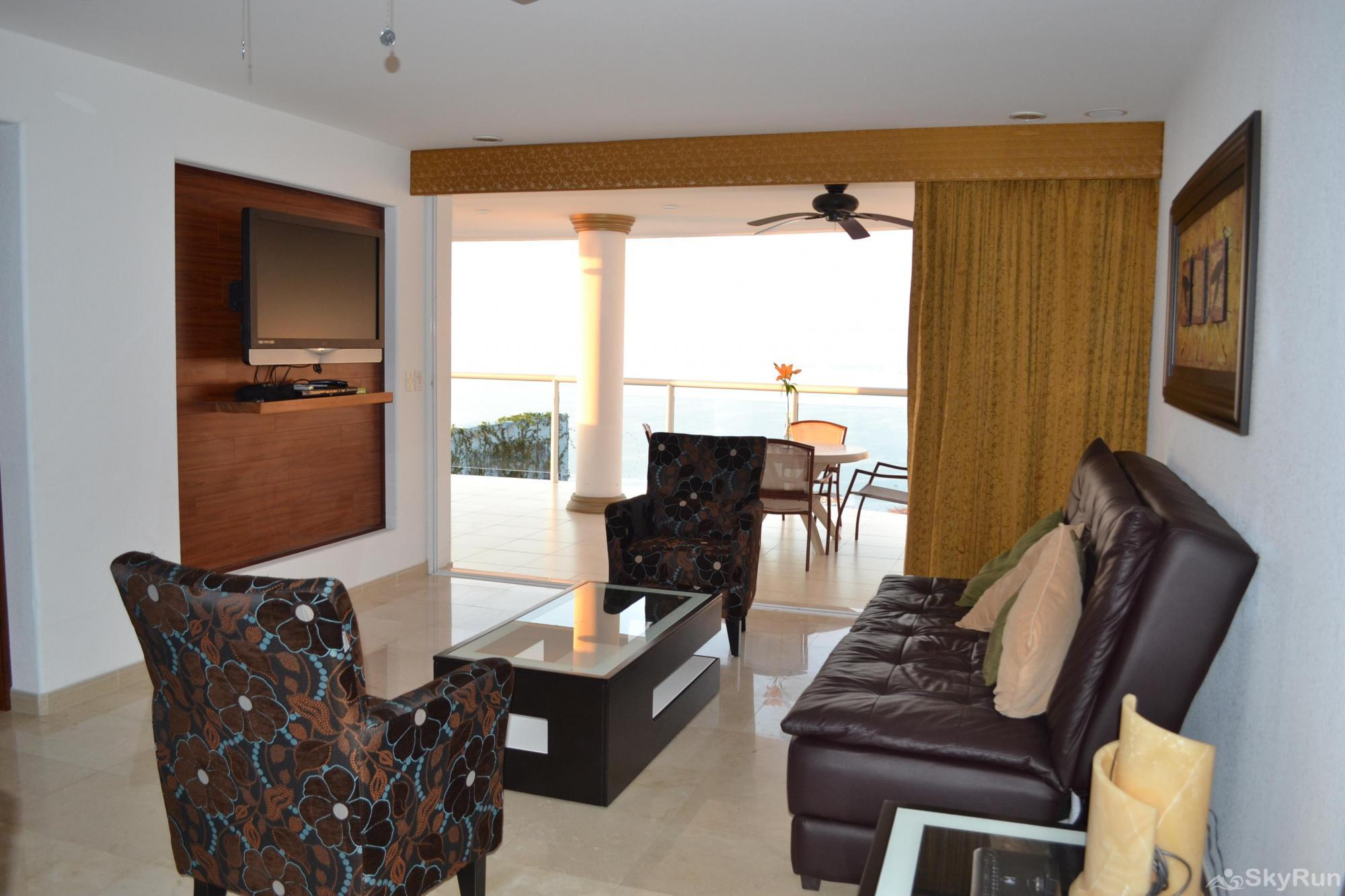 Spectacular Ocean View 1br with Outdoor Pool, balcony!  PV at it's finest DSC_1044.JPG
